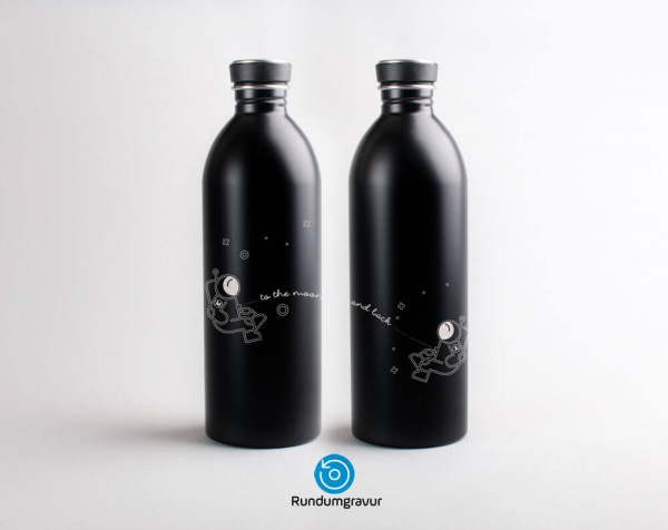 Personalisierte Edelstahl-Trinkflasche »To the Moon and Back« mit Initialen