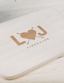 Personalisiertes Frühstücksbrettchen »In Love« mit Buchstaben