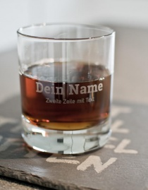 Personalisiertes Trinkglas mit eigenem Namen / Text