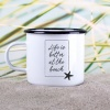 Emaille-Becher »Life Is Better At The Beach« – personalisierbar