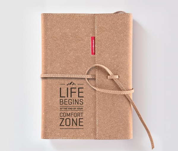 Echtleder-Notizbuch FLAP »Life Begins At The End Of Your Comfort Zone« – personalisierbar