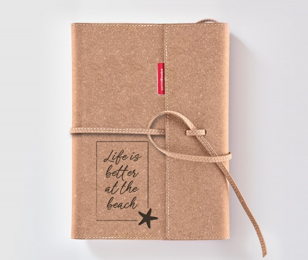 Echtleder-Notizbuch FLAP »Life Is Better At The Beach« – personalisierbar